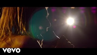 """Video thumbnail of """"Iggy Pop - China Girl (Live At The Royal Albert Hall)"""""""