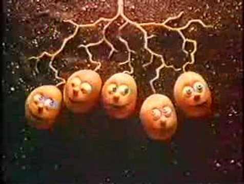 Smiths Crisps (Singing Spuds) - 1980's UK Advert