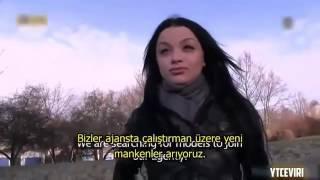 Sokakta Para Karşılığında +18 Türkçe Altyazılı