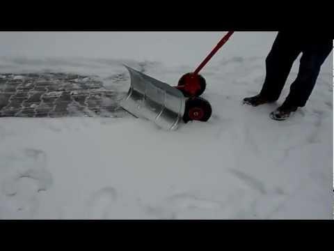 Schneeschieber mit Räder  Schneeschieber Modell Kübler KSP-06