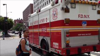 preview picture of video 'RARELY SEEN FDNY MASKS SERVICES UNIT 2 ON 125TH STREET IN THE HARLEM AREA OF NEW YORK CITY.'