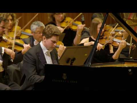 Jayson Gillham performs Beethoven Piano Concerto No. 4