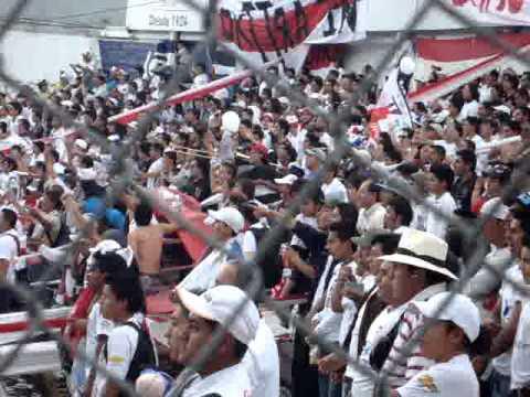 """""""Muerte Blanca Cuenca"""" Barra: Muerte Blanca • Club: LDU"""