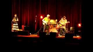 Ry Cooder & Nick Lowe, Chinito Chinito