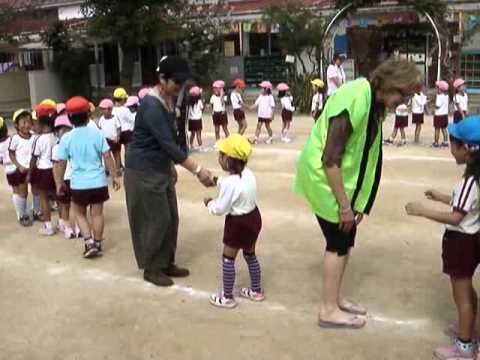 三国丘幼稚園でラララダンス
