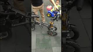 electric trike folds in less than 1 second
