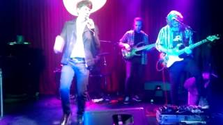 Maxi Trusso - Nobody Is Lonely - live