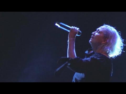 Bára Basiková: Amazing Grace (traditional)
