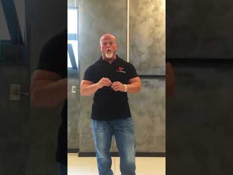 La fisioterapia si allena a curvatura di spina dorsale video