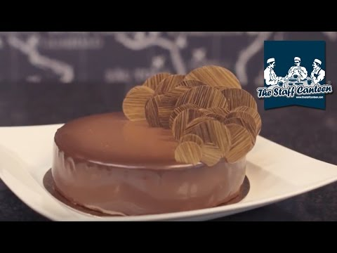 How to make a chocolate and cherry entremet with Callebaut chocolate