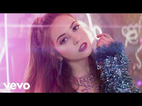 Ana Mena, Becky G, De La Ghetto - Ya Es Hora (Official Video)