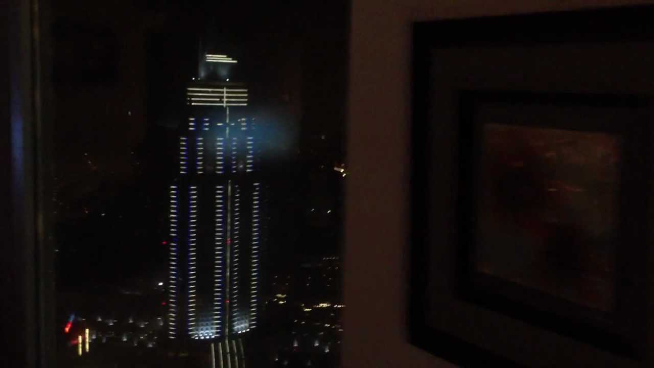 Hearing The World's Tallest Building Creak In A Storm Is Terrifying