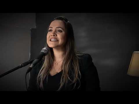 Fernanda Dmorais- Sacia-Me