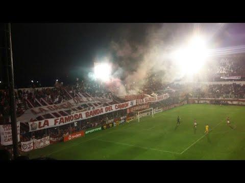 """""""San Martin De Tucuman vs Flandria// Hinchada y Llegada de la banda del Camion"""" Barra: La Banda del Camion • Club: San Martín de Tucumán"""