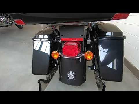 2013 Harley Davidson Road Glide Ultra FLTRU 103