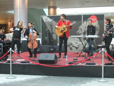 The 286 - Little Louisa (Live at Westfield Shopping Centre as part of Westfield Presents on July 5th 2014)