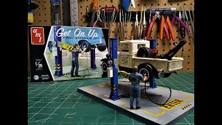 AMT Garage Accessory Get On Up Car Lift 125 Scale Model Kit Build Review AMTPP017M