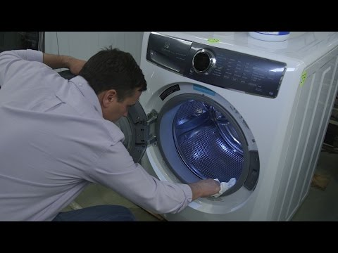 Keep Your Front-Loading Washer Stink-Free With These Four Tips
