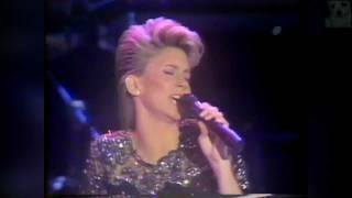 Olivia Newton John - Physical World Tour 1982 (2/7)