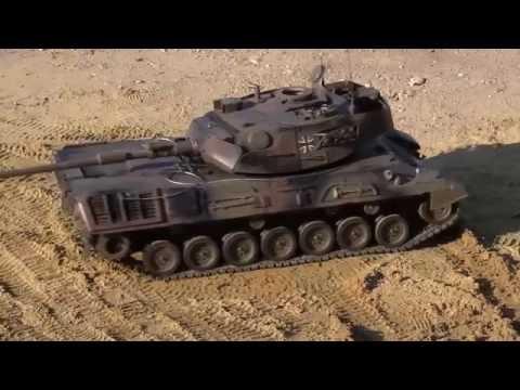 Panzer Modell Leopard 1A5 im Maßstab 1:8