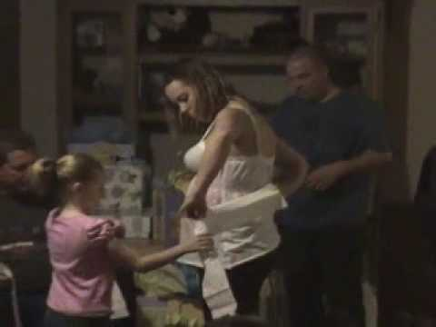 Baby Shower - Toilet paper game
