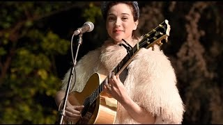 St Vincent Singer Biography In Short And Concert Videos
