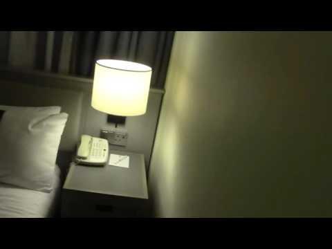 Hotel Room Review   Holiday Inn 555, Coram Street, London, UK
