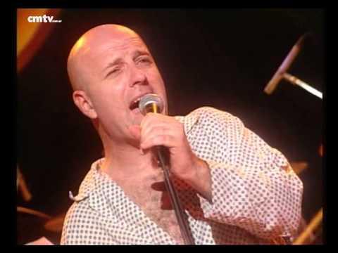 Bersuit Vergarabat video Toco y me voy - CM Vivo 2000