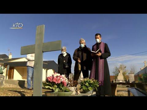 Toussaint : la présence de l'Eglise dans les cimetières
