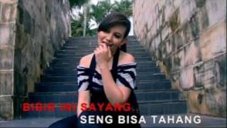 iron tapilaha & Yana Dewi - saling menyayangi