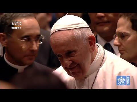 Le pape François rencontre les victimes du triple désastre de 2011