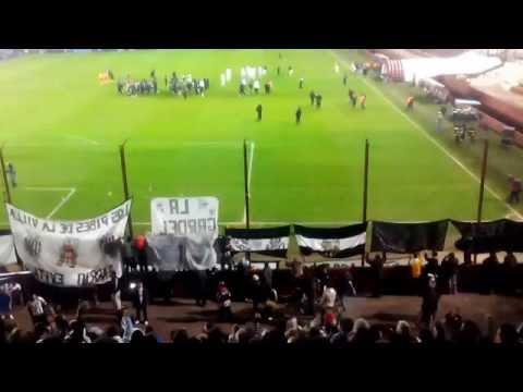 """""""LA BARRA DE CASEROS, fiesta en Lanus - Estudiantes de Caseros (2) - Velez (0)"""" Barra: La Barra de Caseros • Club: Club Atlético Estudiantes"""
