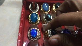 Koleksi Batu Cincin Aneh
