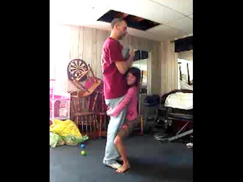 WORLDS STRONGEST GIRL 8 years old lifts 177 lb dad - YouTube