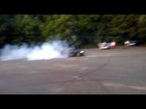 Bmw e36 ,, drift ´´ :-) 325i burnout , drifting