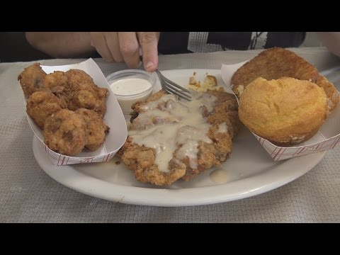 Mel's Blueplate Diner Chicken Fried Steak Review – WE Shorts
