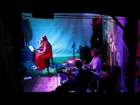 Ana Kalan Band - koncert v Tobačni tovarni