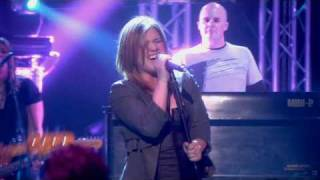 Kelly Clarkson - My Life Would Suck Without You [Live @ Album Chart Show (HQ)]