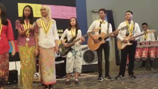 Gambar cover Sekolah Pilar Indonesia Live grade 9 : imagine dragon cover