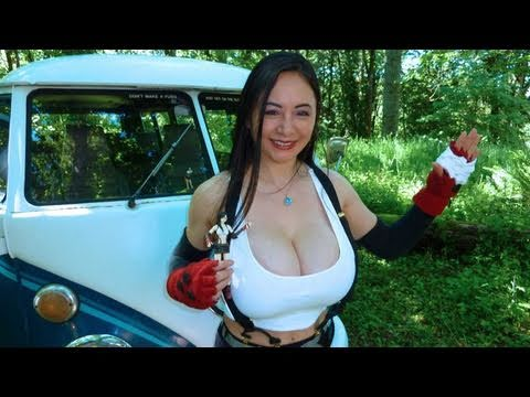 Chinese Tifa Goes Camping. She Makes Curry Fried Rice.