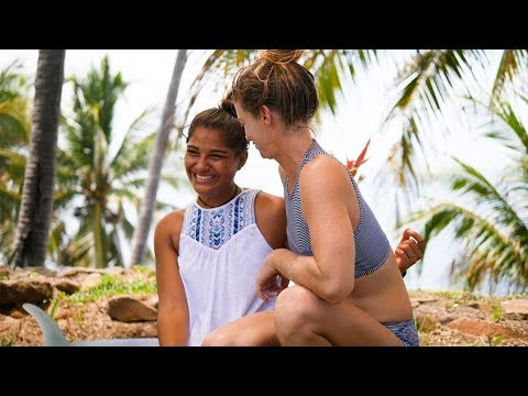 Kassia Meador, Leah Dawson, and Lola Mignot Support Women's Surfing in El Salvador - The Inertia