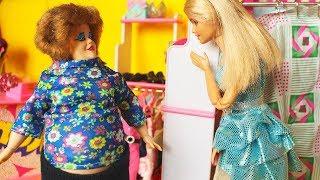 ЭТА КОФТА ВАС ТОЛСТИТ /С ДАШЕЙ/. Мама Барби мультфильм с куклами