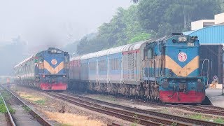 Bangladeshi Train passing beside Indian Train || Sundarban Express Train & Maitree Express IR Rake