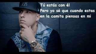 Nicky Jam - Piensas En Mi - (Video Lyric/Letra)