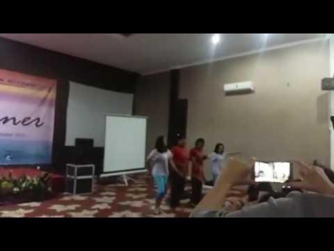 Performance Bank Mitraniaga KCP Kebon Jeruk dalam rangka outing Bank Mitraniaga