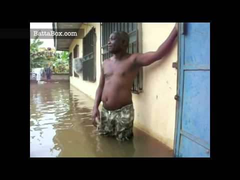 Flood in Nigeria: tour of abandoned village - you must now swim to your neighbour