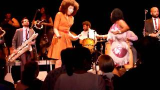 Sharon Jones & The Dap Kings - I'm Not Gonna Cry