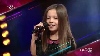 O Ses Çocuklar Yarışması FİNAL Performansı. Hadise 'nin Prenses Parçası İle Ecrin Su Çoban