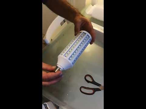 E27 30W 132 SMD 5730 LED Pure White Warm White 2000Lm Corn Light Bulb 110V 220V [Banggood]