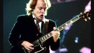 AC/DC Shoot To thrill (Backtrack)